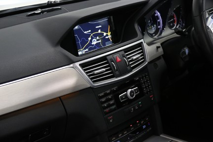 Mercedes-Benz E Class E250 CDI Sport with Panoramic Roof and Navigation 19