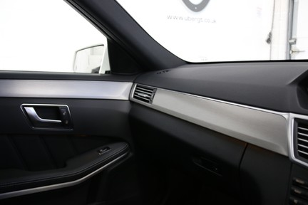 Mercedes-Benz E Class E250 CDI Sport with Panoramic Roof and Navigation 22