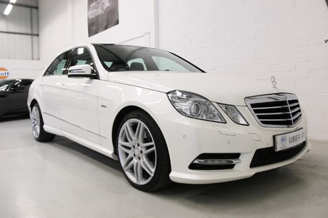 Mercedes-Benz E Class E250 CDI Sport with Panoramic Roof and Navigation Specification