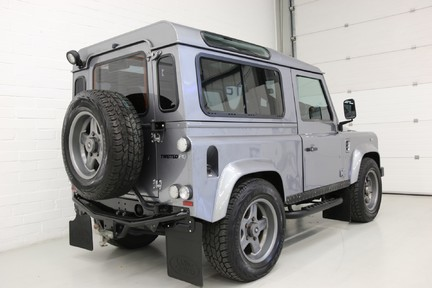 Land Rover Defender 90 TD XS Station Wagon / Rare Auto Box and Twisted Perf Upgrades 3