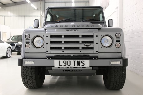 Land Rover Defender 90 TD XS Station Wagon / Rare Auto Box and Twisted Perf Upgrades Specification
