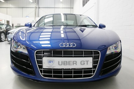 Audi R8 V10 Quattro Manual Coupe with B&O and Rev Camera 7