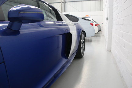 Audi R8 V10 Quattro Manual Coupe with B&O and Rev Camera 17