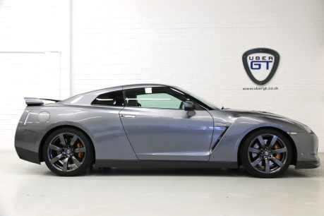 Nissan GT-R Premium Edition with an Incredible History, Just Serviced and 1 Owner