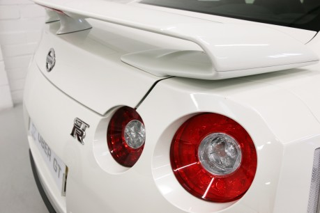 Nissan GT-R Premium Edition Litchfield Stage II Specification