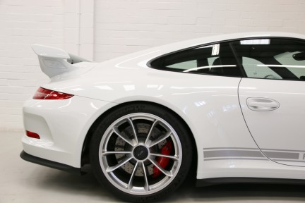 Porsche 911 GT3 with a Great Spec and Porsche Warranty until July 2020. 22