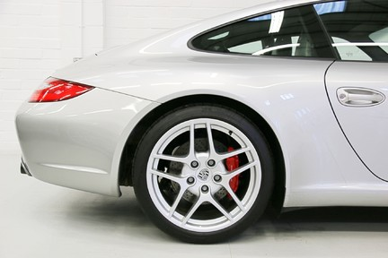 Porsche 911 997.2 Carrera 2S Manual in Amazing Condition and Drivers Specification 19