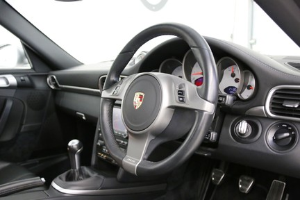 Porsche 911 997.2 Carrera 2S Manual in Amazing Condition and Drivers Specification 6