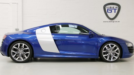 Audi R8 V10 Quattro Manual Coupe with B&O and Rev Camera Video