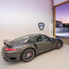 Porsche Showroom