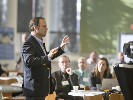 The Art of Presenting: Capturing Your Audience's Attention