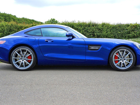 Power and style, the Mercedes Benz AMG GT