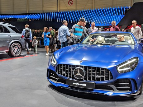 Mercedes AMG GT-R Roadster Unveiled at Geneva Motor Show