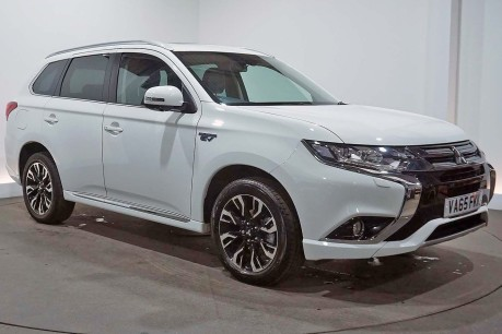Big Motoring Worlds Car of the Week: Mitsubishi Outlander PHEV GX 4H