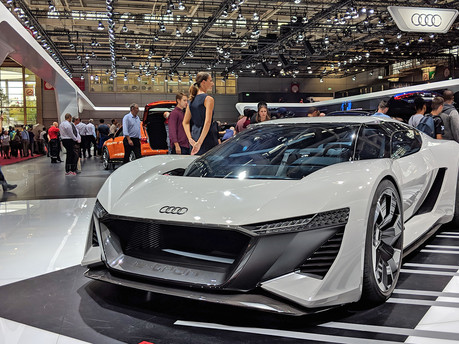 Audi PB18 at the Paris Motor Show: Audi of the future