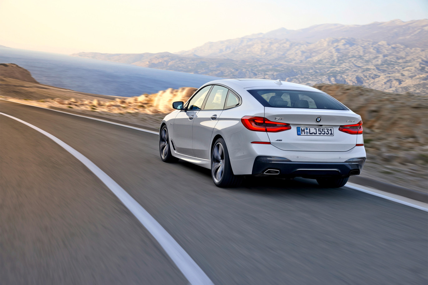 Bmw 6 series gran turismo big motoring world with the new bmw 8 series coming soon to replace the 6 series coupe bmw have made the decision to add the marmite of bmws line up the bmw 5 series gt to freerunsca Image collections