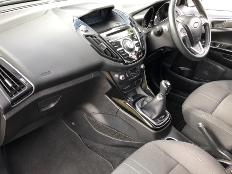 Ford B-Max TITANIUM