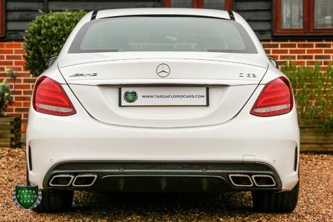 Mercedes-Benz C Class AMG C63 31