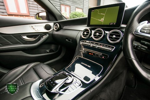 Mercedes-Benz C Class AMG C63 44