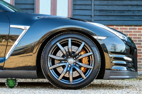 Nissan GT-R V6 Premium Edition 10