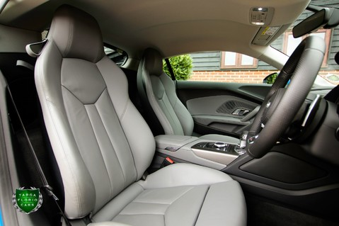 Audi R8 V10 QUATTRO 8