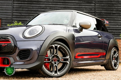 Mini Hatch JOHN COOPER WORKS GP 28