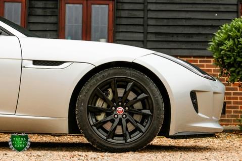 Jaguar F-Type V6 13