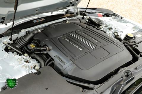 Jaguar F-Type V6 24