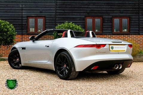 Jaguar F-Type V6 32