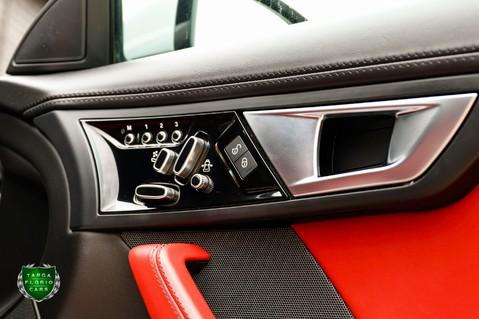 Jaguar F-Type V6 45