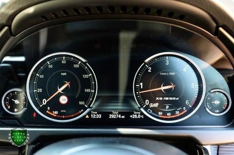 BMW X5 M50D 56