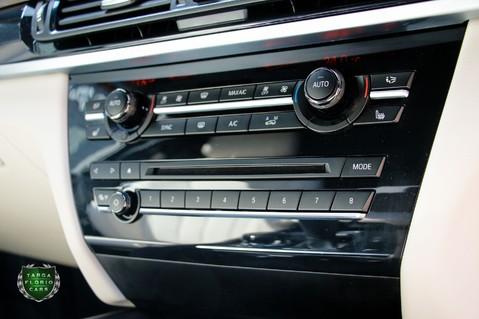 BMW X5 M50D 49