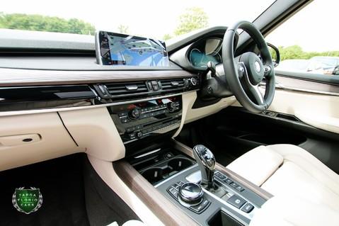 BMW X5 M50D 11