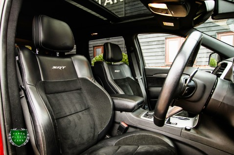 Jeep Grand Cherokee 6.4 HEMI SRT8 WITH LPG CONVERSION 48