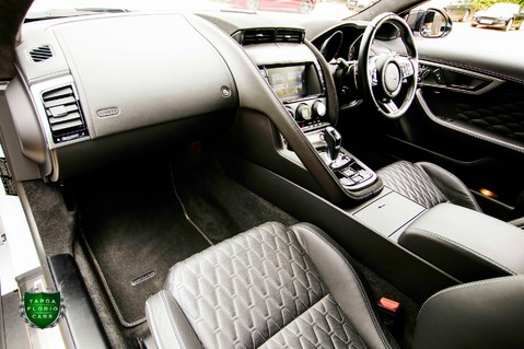 Jaguar F-Type V8 SVR AWD CONVERTIBLE 62
