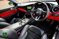 Alfa Romeo Giulia V6 BITURBO QUADRIFOGLIO 2