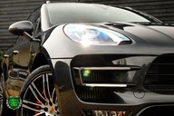 Porsche Macan TURBO PERFORMANCE PDK 19