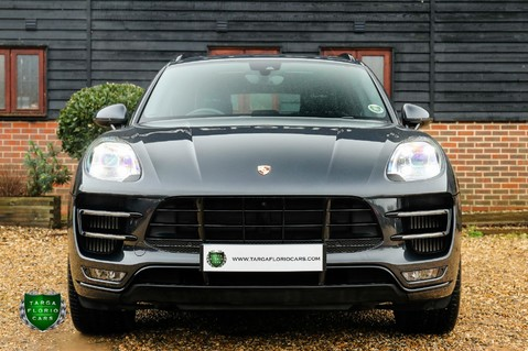 Porsche Macan TURBO PERFORMANCE PDK 20
