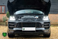 Porsche Macan TURBO PERFORMANCE PDK 21