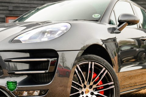Porsche Macan TURBO PERFORMANCE PDK 29