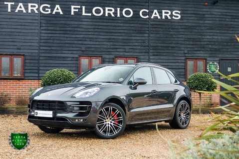 Porsche Macan TURBO PERFORMANCE PDK 30