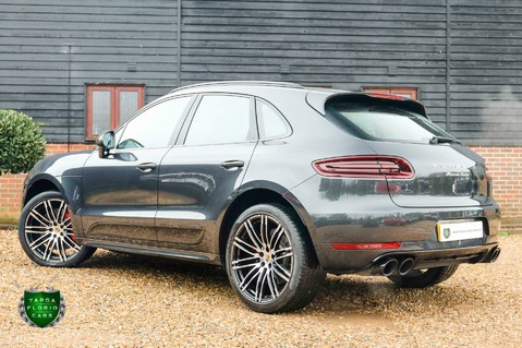 Porsche Macan TURBO PERFORMANCE PDK 31