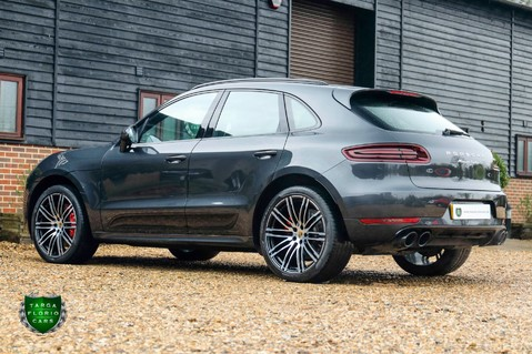 Porsche Macan TURBO PERFORMANCE PDK 38