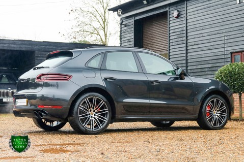 Porsche Macan TURBO PERFORMANCE PDK 39
