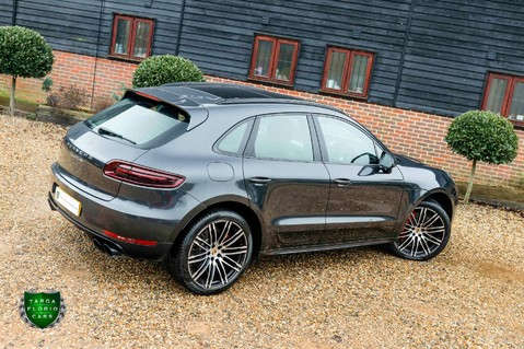 Porsche Macan TURBO PERFORMANCE PDK 41