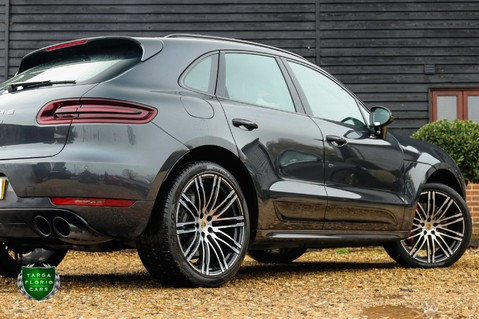 Porsche Macan TURBO PERFORMANCE PDK 42