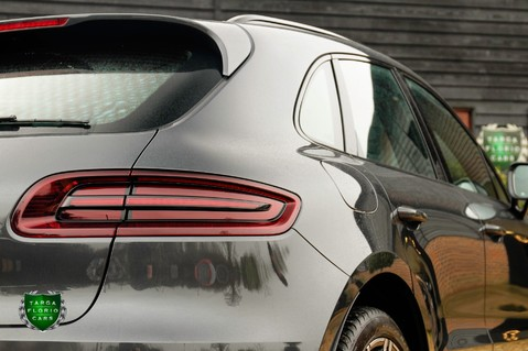Porsche Macan TURBO PERFORMANCE PDK 43