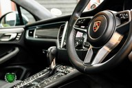 Porsche Macan TURBO PERFORMANCE PDK 10