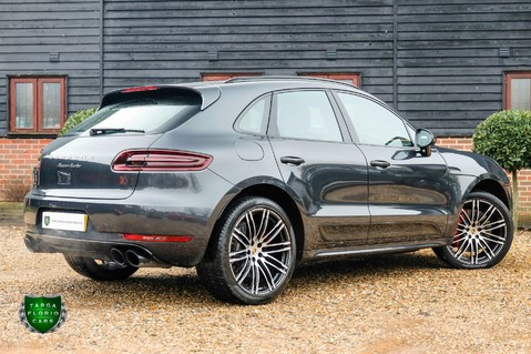 Porsche Macan TURBO PERFORMANCE PDK 5