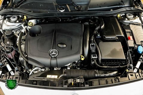 Mercedes-Benz Gla Class GLA 200 D 4MATIC AMG LINE PREMIUM PLUS 17